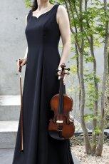 画像7: 【音楽を始めたら】胸元ハートカットのフレアーロングドレス (7)
