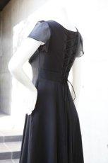 画像4: ハイウエスト切替の袖付きフレアーロングドレス (4)
