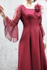 画像3: 【音楽の女神】演奏姿を最高に美しく魅せる袖裾広がりのフレアーロングドレス (3)