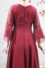 画像5: 【音楽の女神】演奏姿を最高に美しく魅せる袖裾広がりのフレアーロングドレス (5)