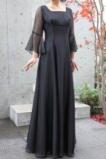 画像7: 【音楽の女神】演奏姿を最高に美しく魅せる袖裾広がりのフレアーロングドレス (7)