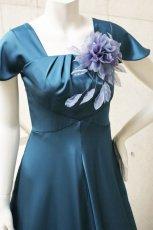 画像3: 胸元タックの袖付きフレアーロングドレス (3)