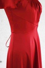 画像10: 胸元タックの袖付きフレアーロングドレス (10)