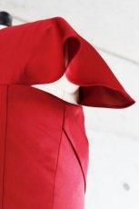 画像11: 胸元タックの袖付きフレアーロングドレス (11)