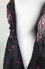 画像20: 【数量限定】イタリア製オーガンジーで仕立てるふわひら羽根とオーバースカート付き風フレアーロングドレス(ブラック) (20)