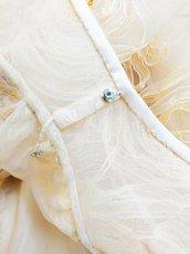 画像17: 【数量限定】リボンテープ刺繍&スパンコール入りベージュチュールネットの袖付きフレアーロングドレス (17)