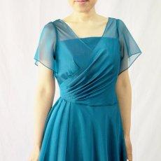画像11: クロス&タックで細見え/優雅なドレープ入りフレアーの袖付きロングドレス (11)