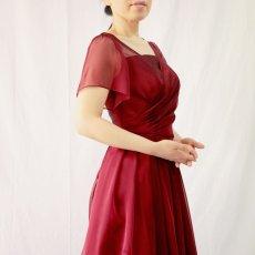 画像10: クロス&タックで細見え/優雅なドレープ入りフレアーの袖付きロングドレス (10)