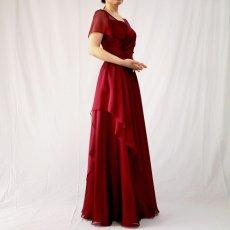 画像2: クロス&タックで細見え/優雅なドレープ入りフレアーの袖付きロングドレス (2)