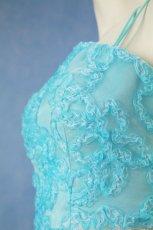 画像8: 数量限定 / きらきら小花のウエストラインとふんわりしたリボンテープ刺繍が可愛い / パステルブルーフレアーロングドレス (8)
