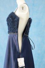 画像19: 数量限定 / ラグジュアリーなバラ模様のリボンテープ刺繍入りネイビー(紺色)フレアーロングドレス (19)