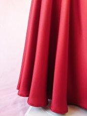 画像11: 【高品質】とろみが美しいモードサテンの赤いブラウス&ロングスカート(お得なセット) (11)