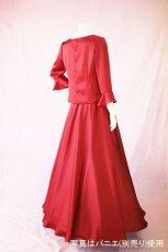 画像5: 【高品質】とろみが美しいモードサテンの赤いブラウス&ロングスカート(お得なセット) (5)