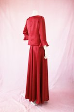 画像3: 【高品質】とろみが美しいモードサテンの赤いブラウス&ロングスカート(お得なセット) (3)