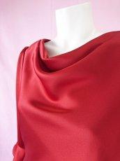 画像3: 【高品質】とろみが美しいモードサテンの赤いブラウス(単品) (3)