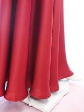 画像10: 【高品質】とろみが美しいモードサテンの赤いブラウス&ロングスカート(お得なセット) (10)