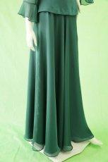 画像2: 深みが美しい楊柳シフォンのグリーンロングスカート(単品) (2)