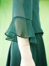 画像4: 深みが美しい楊柳シフォンのグリーンブラウス(単品) (4)