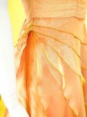 画像12: 数量限定 / ビタミンカラーで楽しさあふれるギャザー&ティアードのフレアーロングドレス (12)