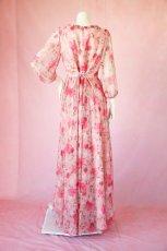 画像14: 数量限定 / ポワン袖に癒されるピンクローズ(バラ)の袖付きフレアーロングドレス (14)