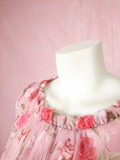 画像17: 数量限定 / ポワン袖に癒されるピンクローズ(バラ)の袖付きフレアーロングドレス (17)