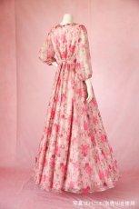 画像4: 数量限定 / ポワン袖に癒されるピンクローズ(バラ)の袖付きフレアーロングドレス (4)