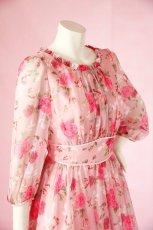 画像5: 数量限定 / ポワン袖に癒されるピンクローズ(バラ)の袖付きフレアーロングドレス (5)