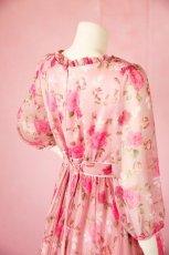 画像6: 数量限定 / ポワン袖に癒されるピンクローズ(バラ)の袖付きフレアーロングドレス (6)