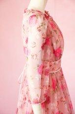 画像8: 数量限定 / ポワン袖に癒されるピンクローズ(バラ)の袖付きフレアーロングドレス (8)