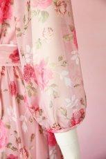 画像11: 数量限定 / ポワン袖に癒されるピンクローズ(バラ)の袖付きフレアーロングドレス (11)