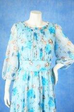 画像15: 数量限定 / ポワン袖に癒されるブルーローズ(バラ)の袖付きフレアーロングドレス (15)