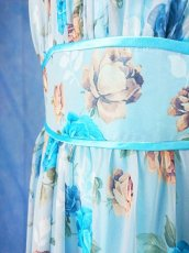 画像19: 数量限定 / ポワン袖に癒されるブルーローズ(バラ)の袖付きフレアーロングドレス (19)