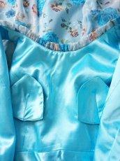 画像20: 数量限定 / ポワン袖に癒されるブルーローズ(バラ)の袖付きフレアーロングドレス (20)