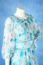 画像5: 数量限定 / ポワン袖に癒されるブルーローズ(バラ)の袖付きフレアーロングドレス (5)