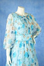 画像7: 数量限定 / ポワン袖に癒されるブルーローズ(バラ)の袖付きフレアーロングドレス (7)