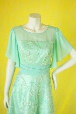 画像15: 数量限定 / たっぷりハートがキュート&エレガントなミントグリーンの袖付きフレアーロングドレス (15)