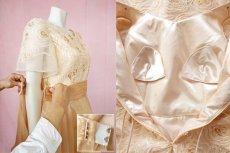 画像16: 数量限定 / オーバースカート付き2wayの袖付きフレアーロングドレス (16)