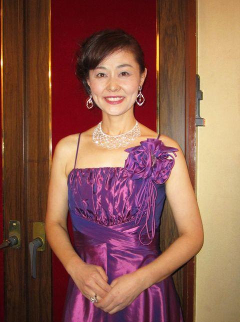 ソプラノ歌役者 日比野景様ドレス写真(クリックで拡大)
