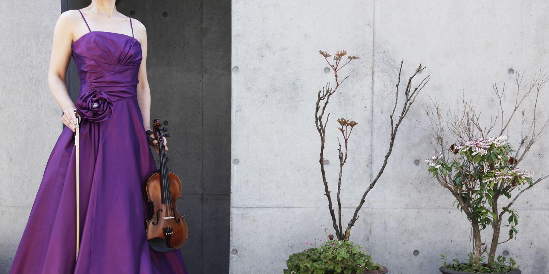 【シンプルなのに印象的】ドレープ&ギャザーの玉虫調フレアーロングドレス
